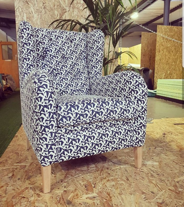 Deep-Buttoned-Wingback-2